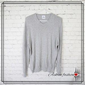 Zara Men's V-Neck Gray Sweater
